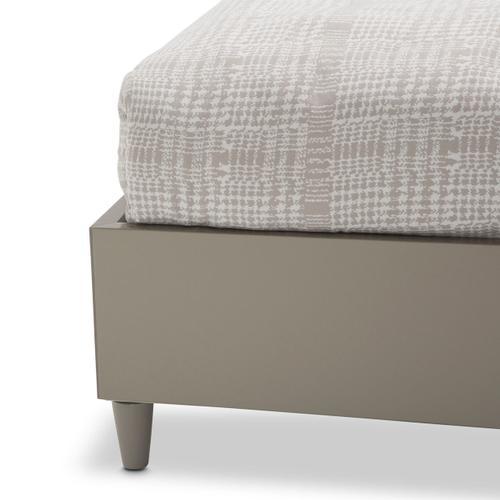 Amini - Cal King Platform Bed (3 Pc)