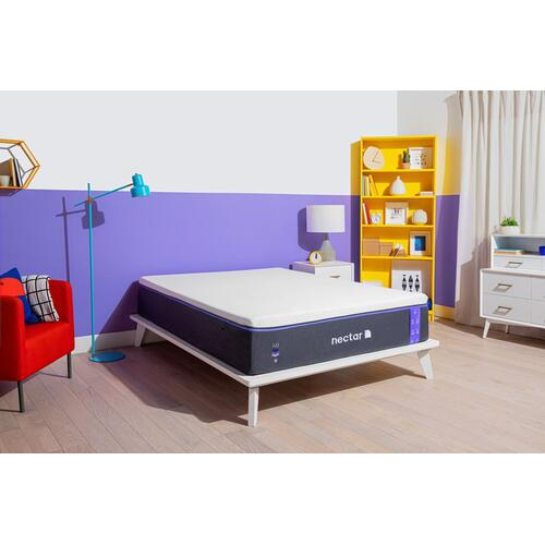 Premier Luxury Plush Non-Quilted Smooth Top Full Memory Foam Mattress