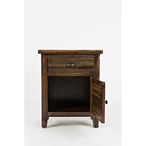 Artisan's Craft Accent Table - Dakota Oak