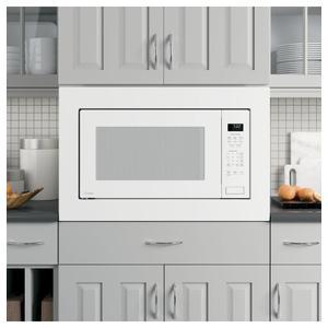 GE ProfileGE PROFILEGE Profile™ 2.2 Cu. Ft. Built-In Sensor Microwave Oven