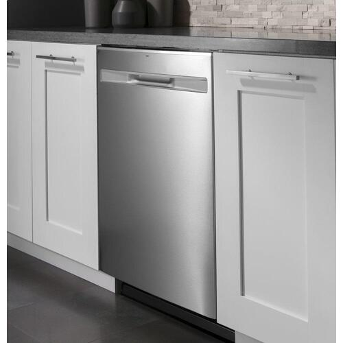 GE® Fingerprint Resistant Top Control with Stainless Steel Interior Dishwasher with Sanitize Cycle & Dry Boost