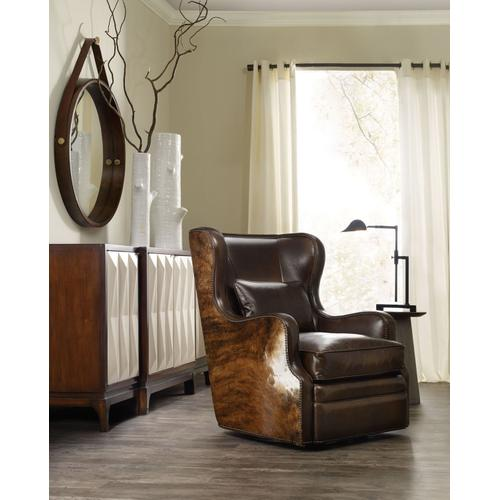 Living Room Wellington Swivel Club Chair
