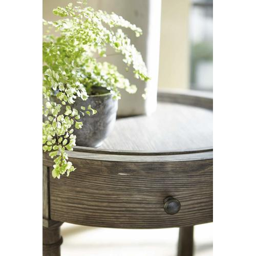 Canyon Ridge Round Side Table in Desert Taupe (397)