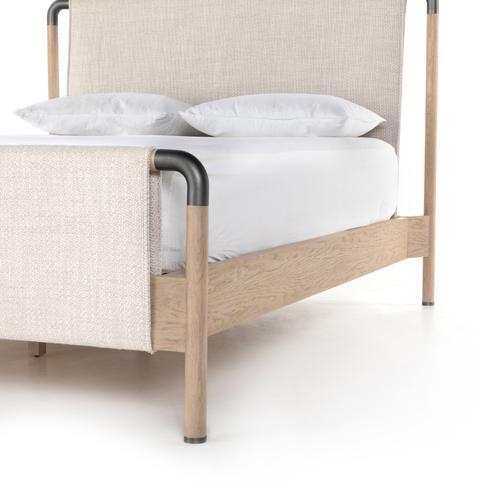 Queen Size Harriet Bed