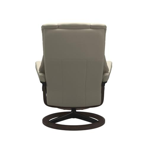 Stressless By Ekornes - Stressless® Mayfair (L) Signature chair with footstool