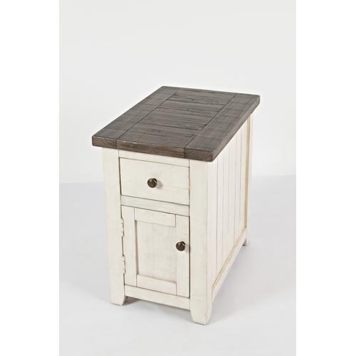 Madison County Chairside Table