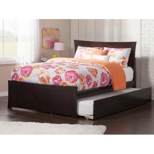 Metro Full Bed with Matching Foot Board with Urban Trundle Bed in Espresso