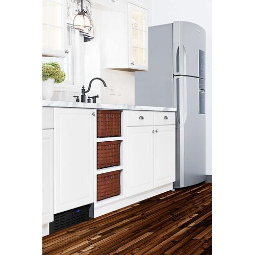 """18"""" Wide Frost-free Icemaker In for Built-in or Freestanding Use, With Panel-ready Door and Black Cabinet"""