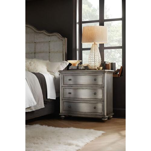 Bedroom Arabella Bachelor Chest