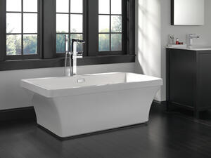 White 60'' x 32'' Freestanding Tub with Integrated Waste and Overflow Product Image