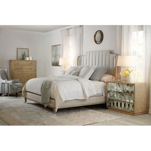 Bedroom Novella Mirada Queen Upholstered Bed