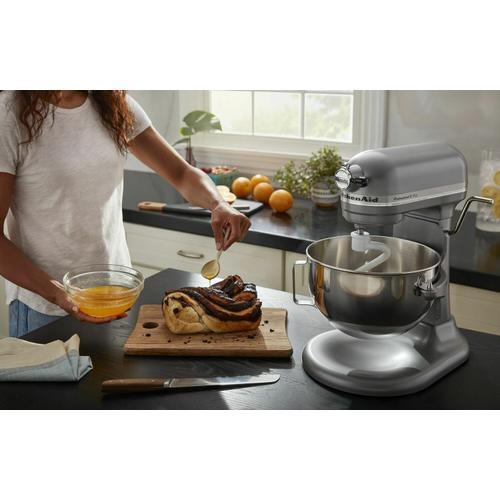 KitchenAid - Professional 5™ Plus Series 5 Quart Bowl-Lift Stand Mixer and 6-Quart Flex Edge Beater Bundle - Silver