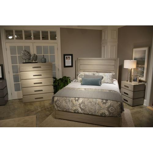 Gallery - Queen Panel Bed