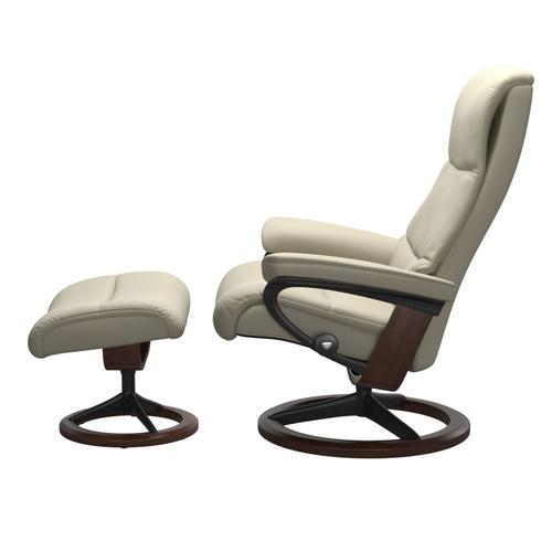 Stressless By Ekornes - Stressless® View (M) Signature chair with footstool