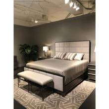 Horizon Upholstered Bed - Flannel / Queen