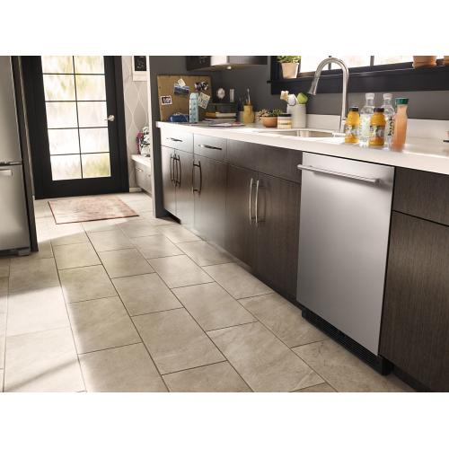 Whirlpool - 24-inch Wide Undercounter Refrigerator with Towel Bar Handle - 5.1 cu. ft.