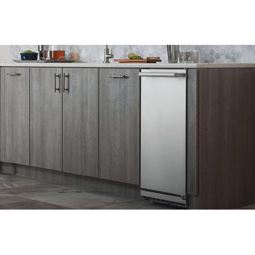 """Electrolux - 15"""" Ice Maker with Right Hinge Door"""