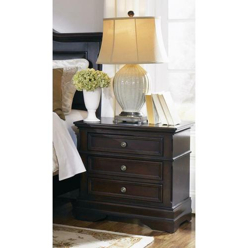 Cambridge Three-drawer Nightstand
