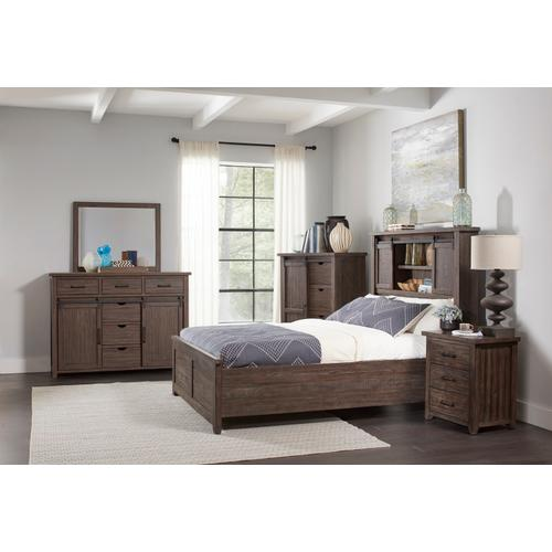 Madison County 5 PC King Barn Door Bedroom: Bed, Dresser, Mirror, Nightstand, Chest - Barnwood
