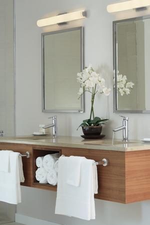 "Chrome 18"" Towel Bar Product Image"