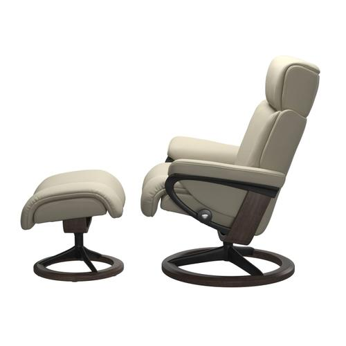 Stressless By Ekornes - Stressless® Magic (S) Signature chair with footstool