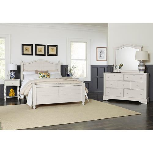 Queen Post Arched Bed with Post Plank Footboard