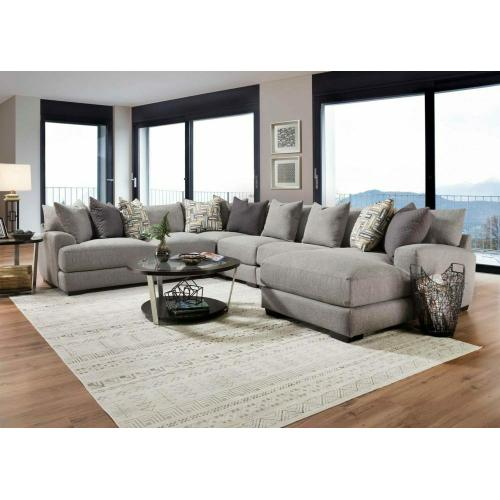 818 Brentwood Sectional