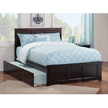 Madison Full Bed with Matching Foot Board with Urban Trundle Bed in Espresso
