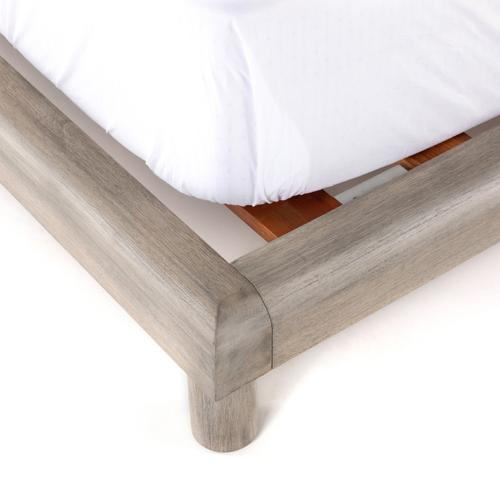 Four Hands - Queen Size Capsule Bed
