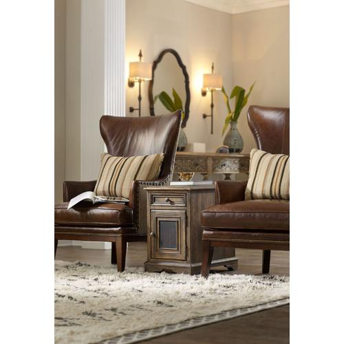 Living Room Dewees Chairside Chest