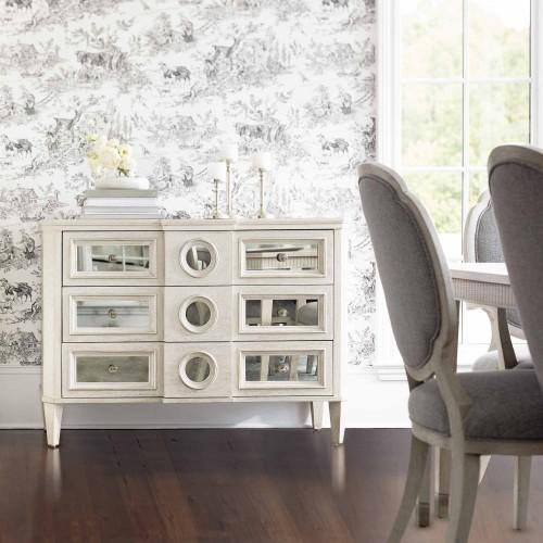 Allure Hall Chest in Manor White (399)