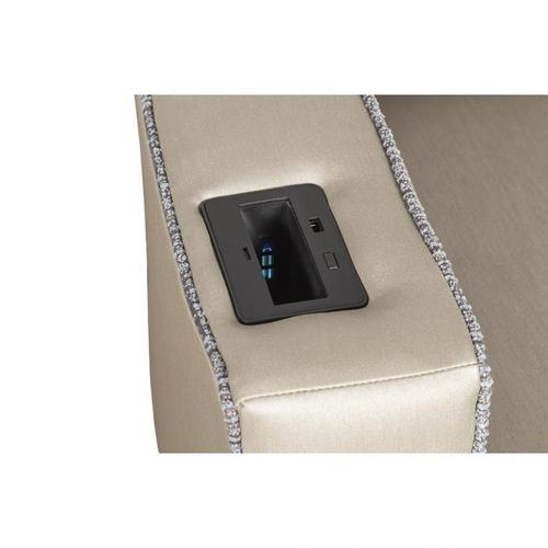 Fairfield - Lounge Chair with UV-C, Cupholder
