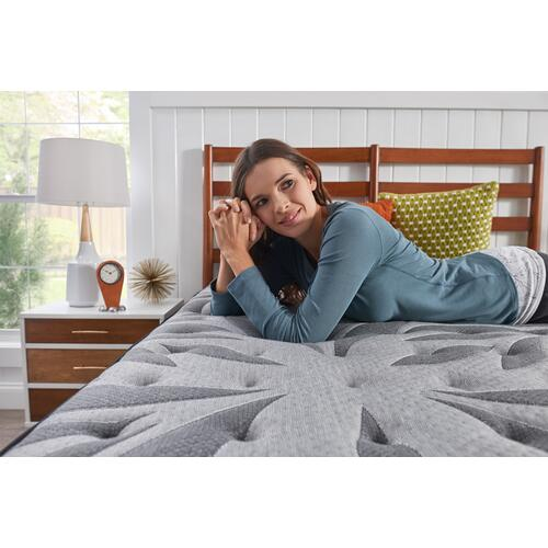 Response - Posturepedic Plus - Satisfied II - Medium - Pillow Top - Queen