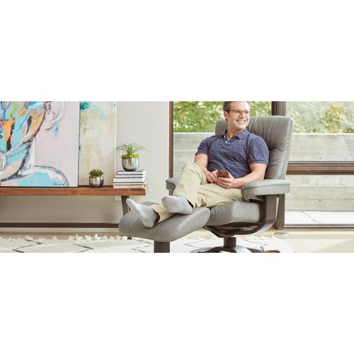 Manjana R Manual Large Recliner With Footstool