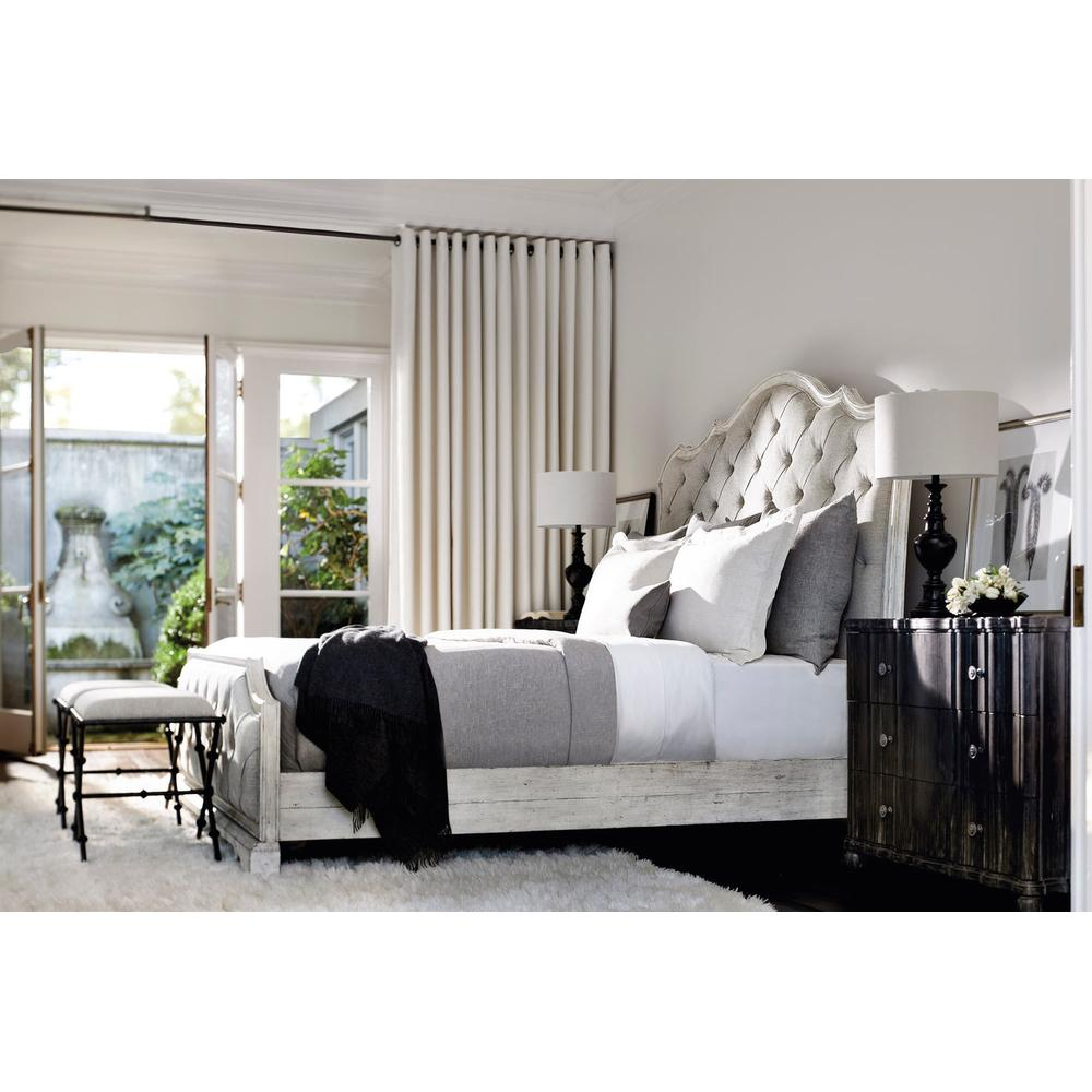 California King-Sized Mirabelle Upholstered Panel Bed in Cotton (304)