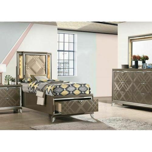 Skylar Full Bed