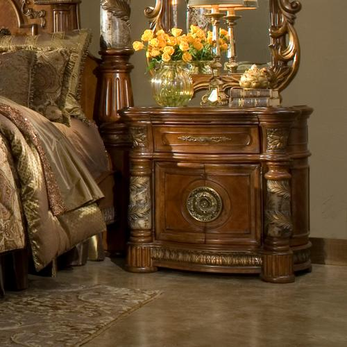 Gallery - Bedside Chest