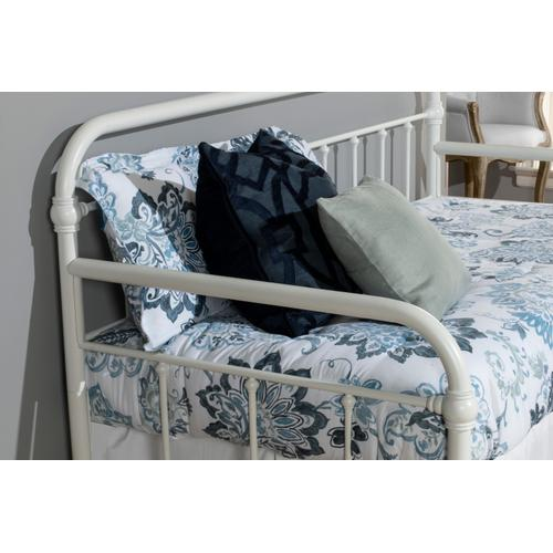 Kirkland Complete Twin Size Daybed With Trundle, Soft White