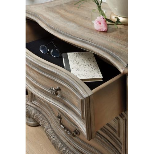 Hooker Furniture - Castella Three Drawer Nightstand