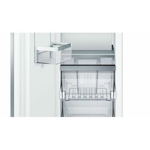 Benchmark® Built-in Freezer 18'' B18IF905SP