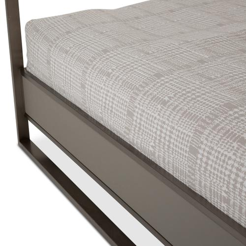 Amini - Queen Canopy Bed