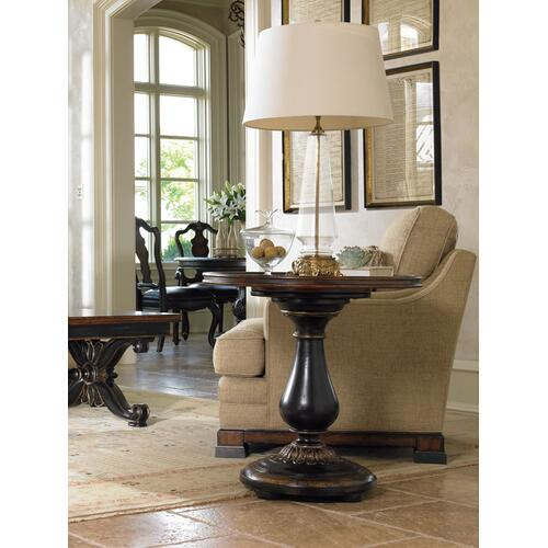 Living Room Grandover Round Accent Table