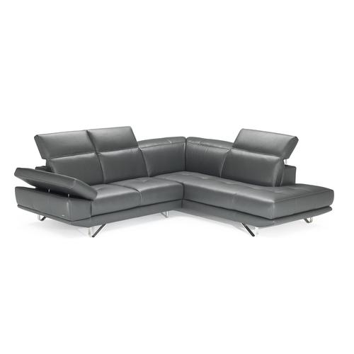 Natuzzi Editions B766 Sectional
