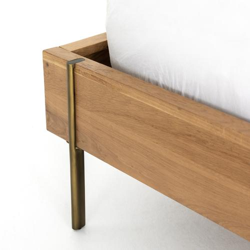 Four Hands - Queen Size Carlisle Bed