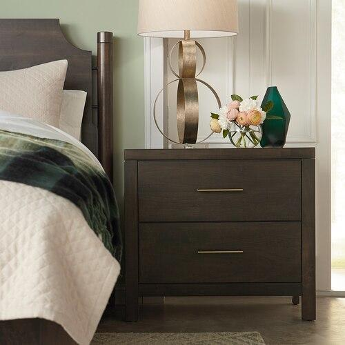 Midtown Maple Nightstand W/Charger