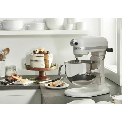 KitchenAid Canada - Professional 600 Series 6 Quart Bowl-Lift Stand Mixer - Matte Milkshake