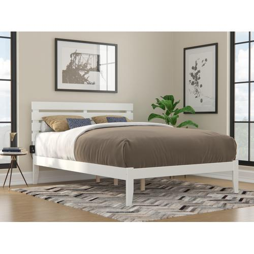 Atlantic Furniture - Oxford Queen Bed with USB Turbo Charger in White