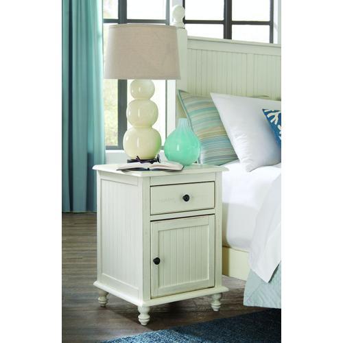 John Thomas Furniture - Cottage 1 Drawer Nightstand with 1 Door