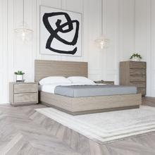 View Product - Modrest Samson - Contemporary Grey and Silver Bed