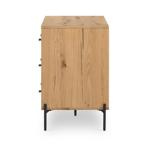 Eaton 9 Drawer Dresser-light Oak